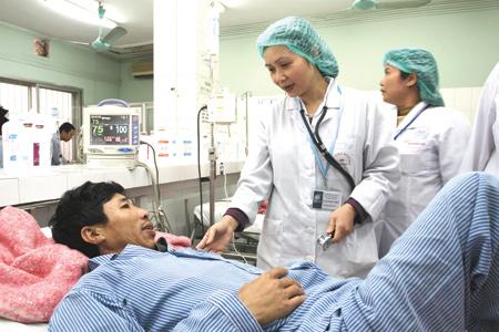Các bệnh viện tăng viện phí, bệnh nhân nghèo sẽ được bảo hiểm y tế chi trả