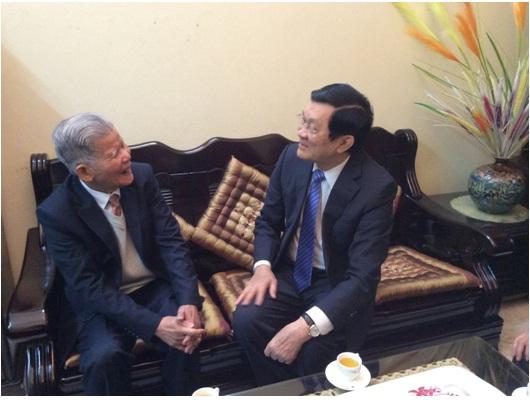 Ngày 22 tháng 01 năm 2014 Giáp Ngọ, Chủ tịch nước Trương Tấn Sang đến thăm và chúc tết nhà khoa học GS.TSKH. Đặng Huy Huỳnh