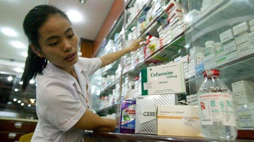 Giá thuốc: Bộ Y tế và Tài chính đều không dám quản