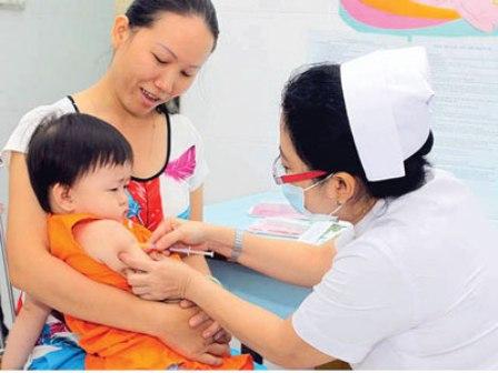Lần đầu tiên tiêm vắc xin Sởi - Rubella mở rộng