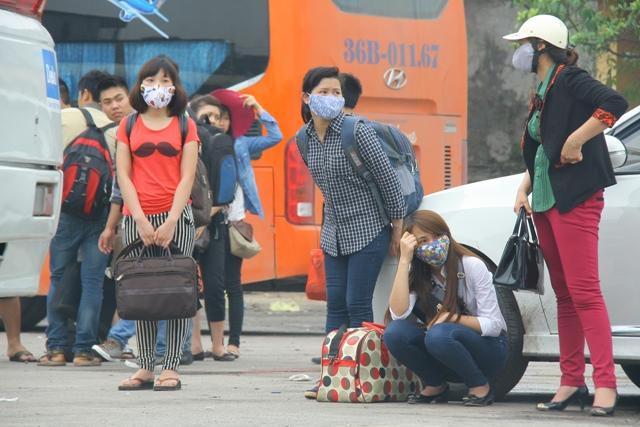 Sinh viên về quê