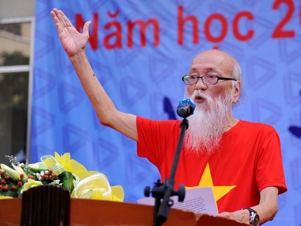 PGS Văn Như Cương luôn có bài viết xúc động dịp đầu năm học mới