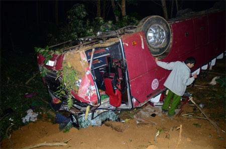 Xe khách tai nạn Lào Cai