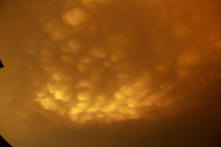 Những đám mây có hình dáng kỳ lạ