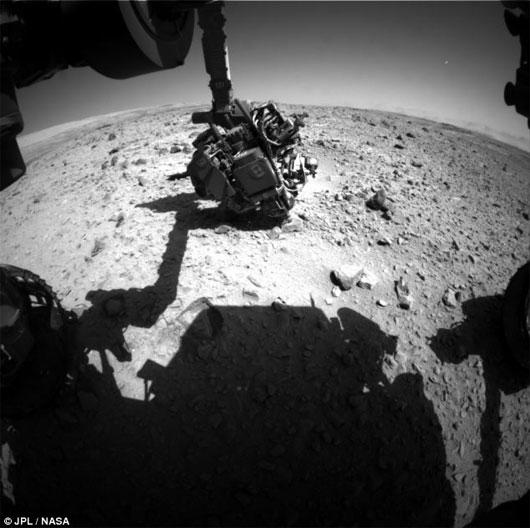 Tìm thấy vệt sáng bí ẩn trên sao Hỏa
