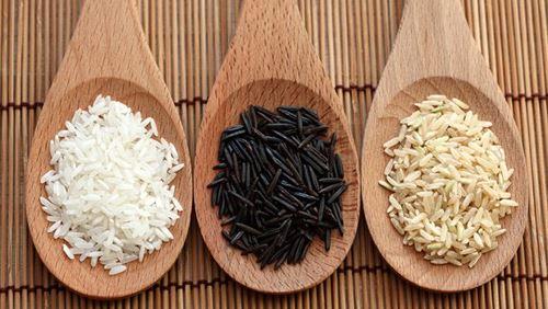 Cần hiểu đúng về công dụng, cách sử dụng của gạo trắng và gạo lứt