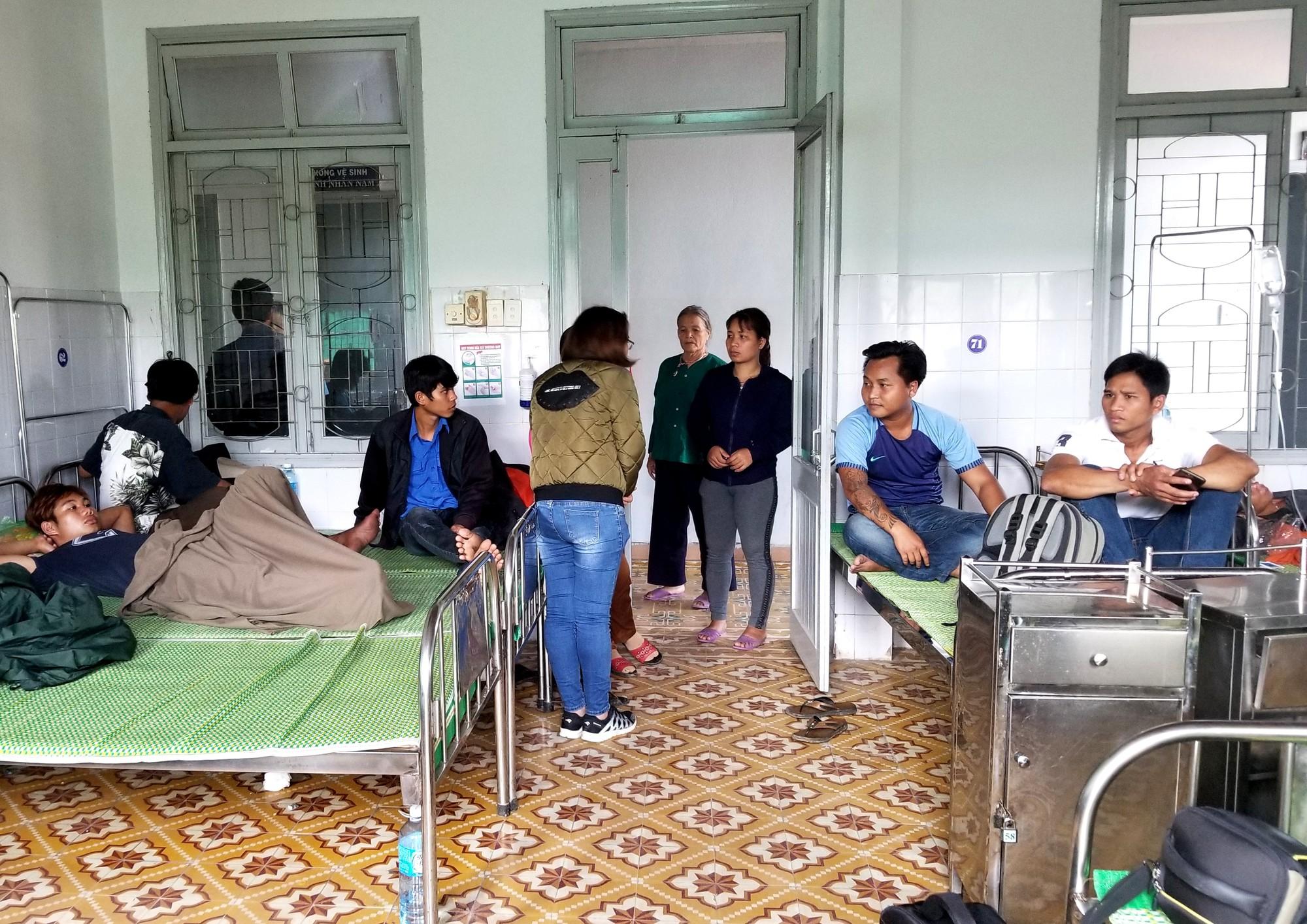 Ngộ độc rượu ở Quảng Nam: Nạn nhân thứ 4 tử vong sau một tuần cấp cứu