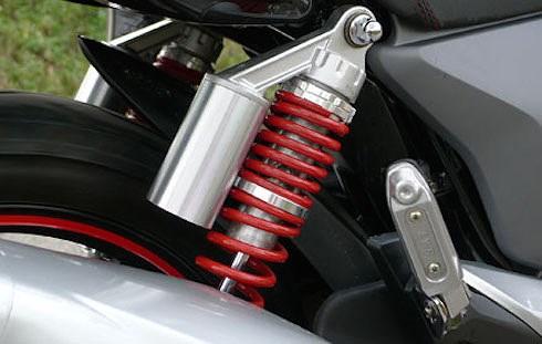 Khi nghe những tiếng ồn này từ xe máy, bạn cần đem xe đi bảo dưỡng ngay