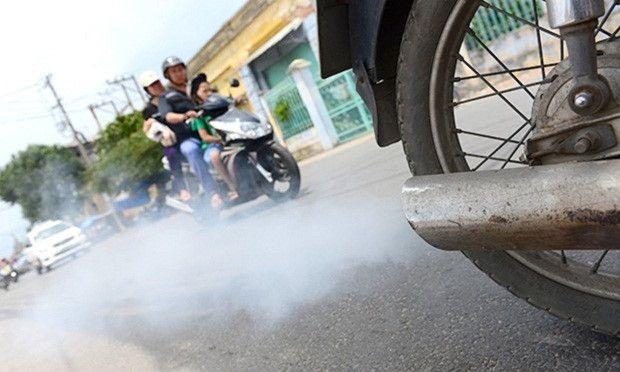 Màu khói ống xả khác nhau - cảnh báo nguy cơ hỏng các bộ phận bên trong xe máy