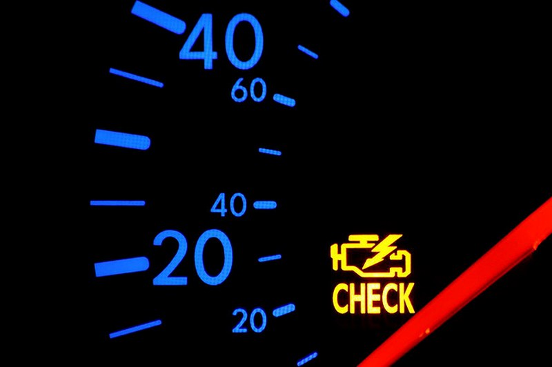 Những kí hiệu đèn cảnh báo quan trọng trên bảng điều khiển ô tô – bạn cần biết