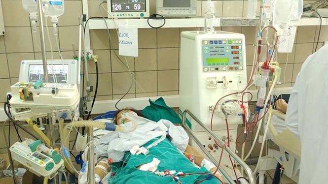 Hà Nội: 3 trường hợp nhập viện do ngộ độc rượu chứa cồn methanol