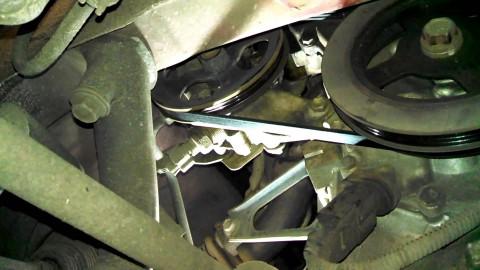 Những hư hỏng ở hệ thống trợ lực lái thủy lực, tài xế không nên bỏ qua
