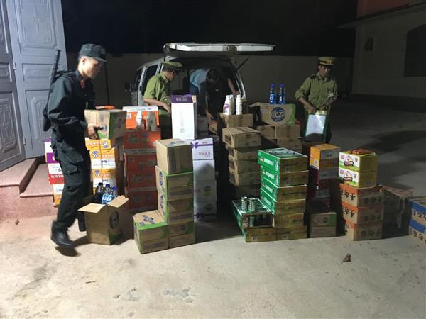 Lạng Sơn: Bắt giữ lô hàng lớn thực phẩm có xuất xứ từ Trung Quốc