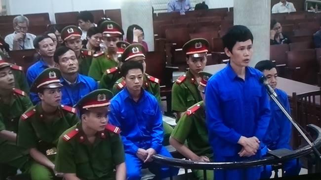 6 bị cáo lần lượt bị truy tố trong vụ nhận lót tay 11 tỉ đồng xảy ra tại Ban quản lý Dự án đường sắt Việt Nam