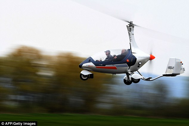 Trực thăng mini đầu tiên trên thế giới có thể bay và chạy trên đường bộ - ảnh 2
