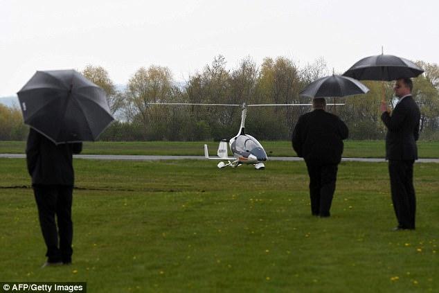 Trực thăng mini đầu tiên trên thế giới có thể bay và chạy trên đường bộ - ảnh 4