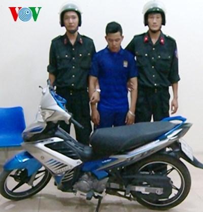 Đối tượng Mai Đức Tùng bị lực lượng Cảnh sát cơ động Thanh Hóa bắt giữ
