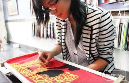 Thêu tranh chữ thập nhanh hơn bằng cách thêu hai tay