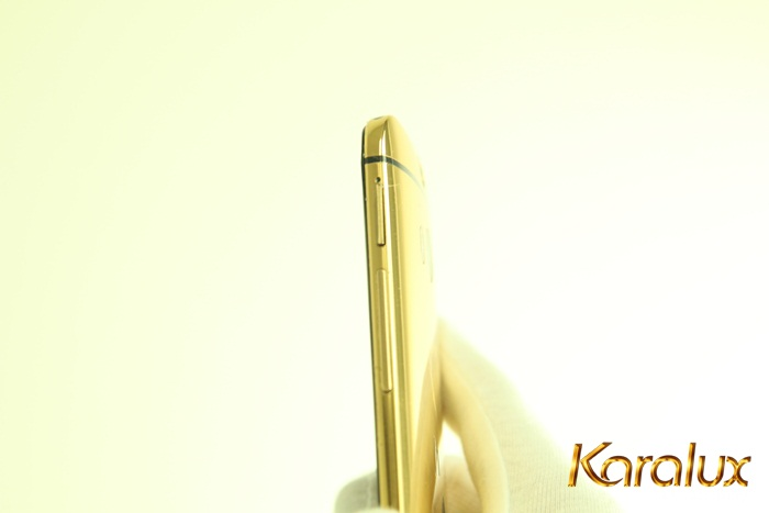 Chi phí để độ vàng 24k cho siêu phảm điện thoại di động này ở mức từ 6 - 10 triệu đồng/sản phẩm