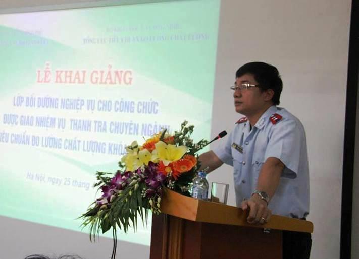 Ông Trịnh Đình Toàn, Phó Hiệu trưởng Trường Cán bộ Thanh tra phát biểu khai giảng lớp bồi dưỡng