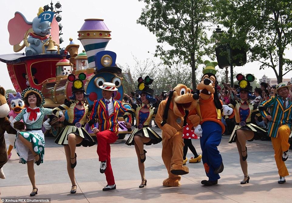 Hầu hết hình tượng nhân vât hoạt hình của hãng Disney đều được mô phỏng lại tại đây