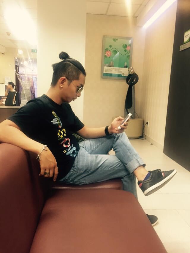 Trước đó, dòng trạng thái của Phan Hiển khiến fans rộ tin 'chồng tin đồn' đưa Khánh Thi đi khám thai