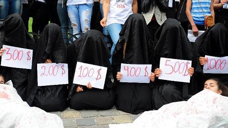 Khủng bố IS rao bán phụ nữ Yazidi như những món hàng