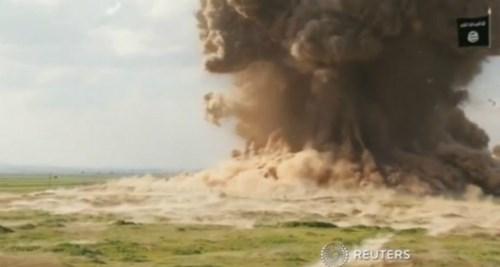 IS cho nổ tung cả khu vực tại Nimrud, Iraq