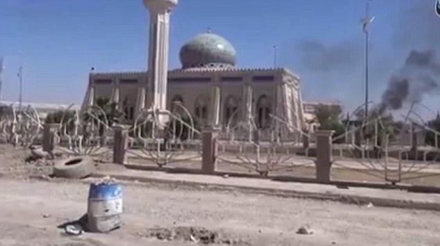 Ramadi hoang tàn sau khi bị khủng bố IS chiếm đóng