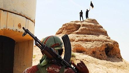 Các phần tử khủng bố IS tại biên giới Iraq-Syria