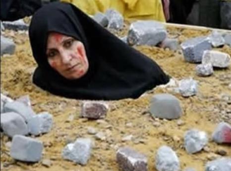 Một người phụ nữ bị khủng bố IS ném đá đến chết vì tội ngoại tình ở Syria