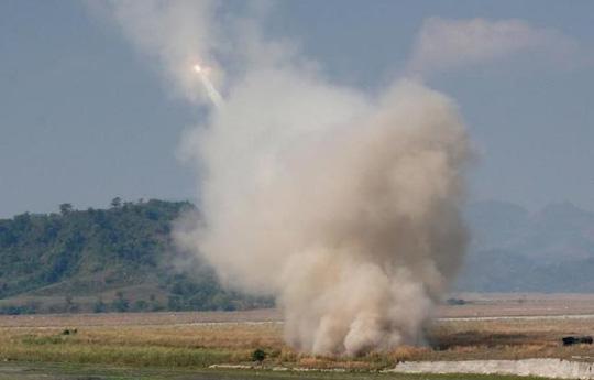 Cùng thời gian này, Mỹ đã triển khai bệ phóng tên lửa ở Thổ Nhĩ Kỳ, gần khu vực khủng bố IS đang chiếm đóng