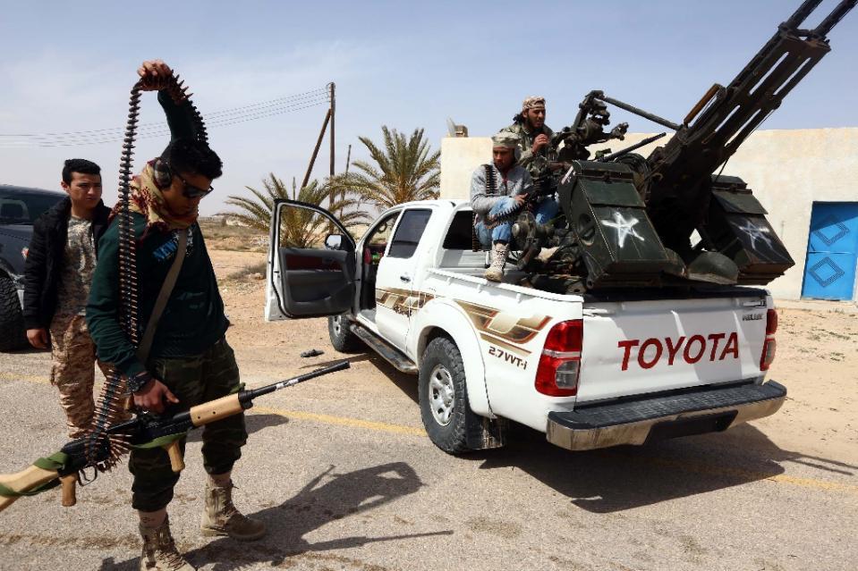 Lực lượng vũ trang trung thành tại Libya đang chuẩn bị chiến đấu chống khủng bố IS