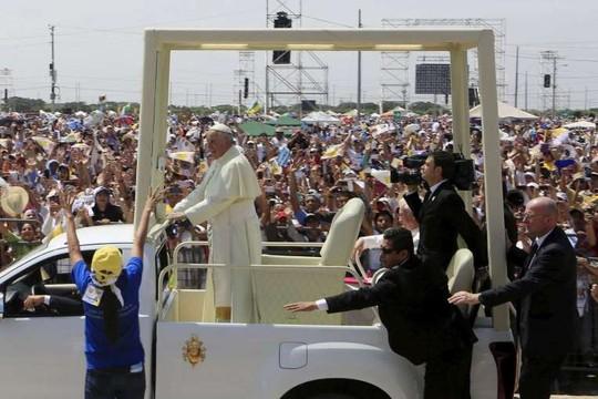 Mỹ bắt kẻ ủng hộ hủng bố IS muốn giết Giáo hoàng Francis