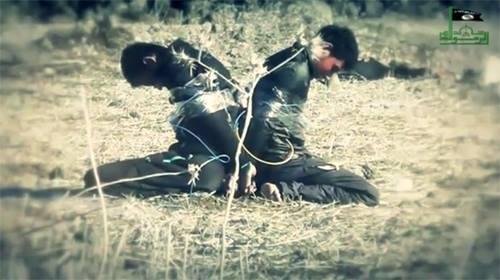 Hai tù binh al-Nusra bị tổ chức khủng bố IS hành hình dã man