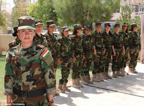 Xate Shingali cùng nhóm nữ chiến binh chống khủng bố IS của mình