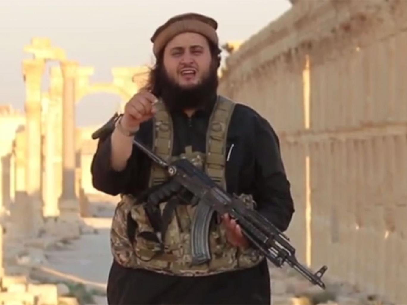 Harry S nói rằng anh đã chứng kiến các vụ thảm sát do một tay súng cực đoan người Áo thuộc tổ chức khủng bố IS là Mohamed Mahmoud (trong ảnh) tiến hành tại Palmyra.