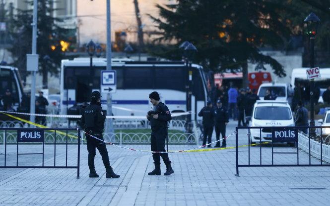 Cảnh sát Thổ Nhĩ Kỳ phong tỏa hiện trường vụ đánh bom do IS thực hiện ở Istanbul tuần trước