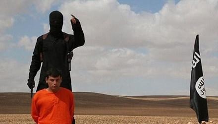 Khủng bố IS công bố hình ảnh một tù nhân bị chặt đầu dã man