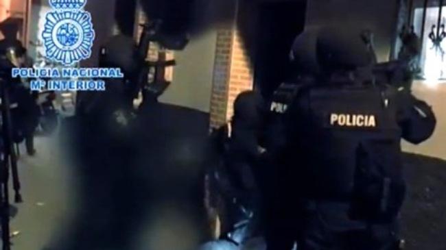 Cảnh sát Tây Ban Nha trong đợt bố ráp 4 nghi phạm khủng bố
