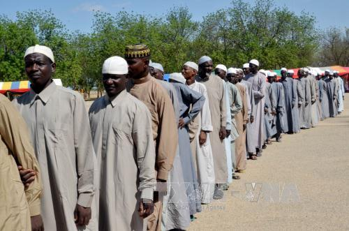Các đối tượng bị nghi là thành viên Boko Haram chuẩn bị được chính quyền Nigeria trả tự do