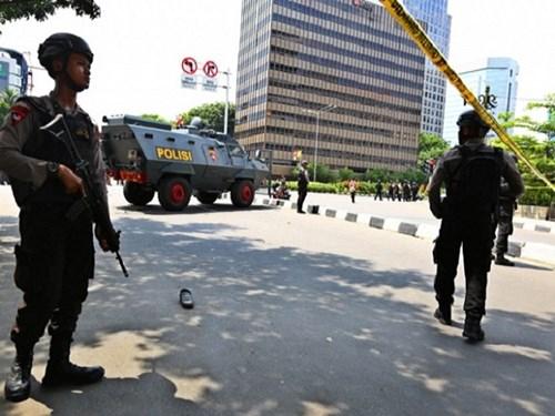 Cảnh sát Indonesia phong tỏa hiện trường vụ tấn công khủng bố hôm 14/1