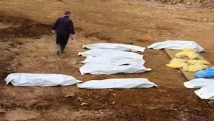 Thi thể nạn nhân trong hố chôn tập thể do khủng bố IS hành quyết