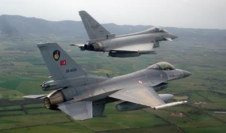 Chiến đấu cơ Thổ Nhĩ Kỳ oanh tạc các mục tiêu của khủng bố IS tại Syria