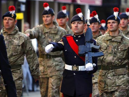 Khủng bố IS âm mưu tấn công tự sát vào một cuộc diễu binh của lính Anh ở London