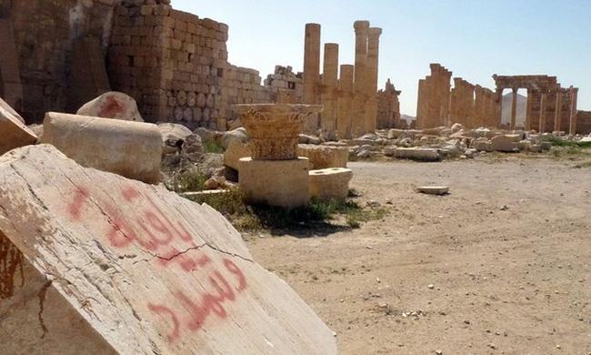 Thành cổ Palmyra bị tàn phá nặng nề bởi IS
