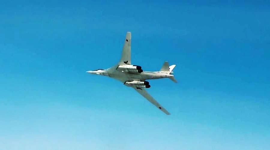 Máy bay Nga oanh kích dữ dội các mục tiêu cảu tổ chức khủng bố IS tại Syria