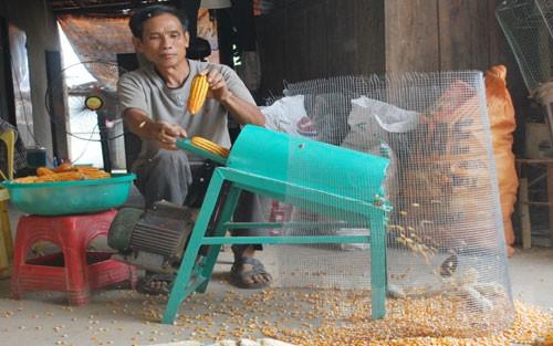 Ông Chu Văn Quỳnh đã chế tạo ra nhiều loại nông cụ tiện ích giúp bà con nông dân tăng năng suất, hiệu quả công việc