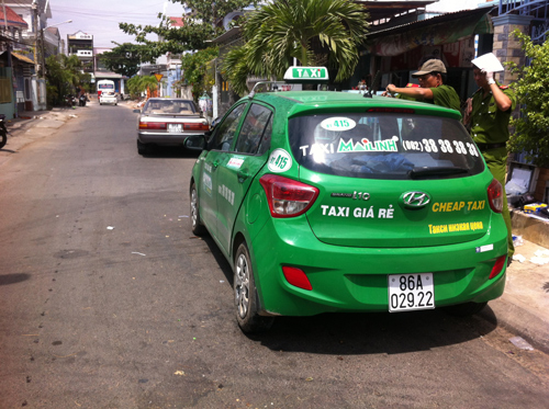 Lái xe taxi Mai Linh bị đâm trọng thương kể lại vụ cướp táo tợn giữa đêm