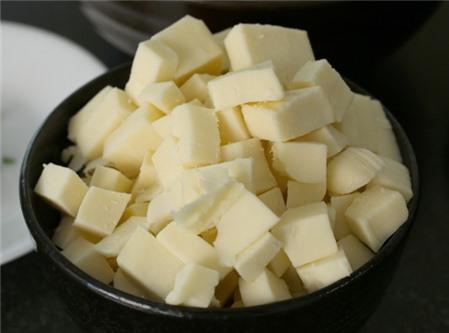 Cách làm gà cay phô mai không cần lò nướng chuẩn vị Hàn Quốc
